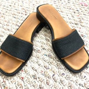 ERIC JAVITS Made in ITALY Black Slip On Sandals  6